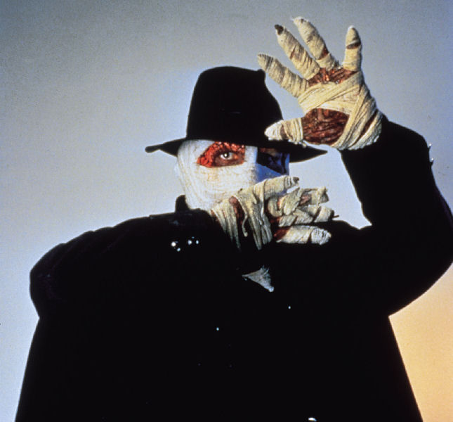 http://www.internationalhero.co.uk/d/darkman0.jpg
